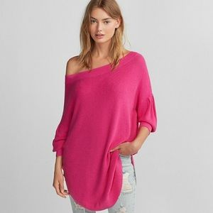 NWT Express Volume Sleeve Top